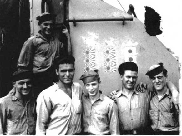 USS Bush - Picture thought to be the #41 Gun Crew